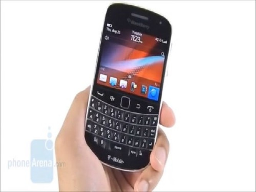 BlackBerry Bold 9900 là model