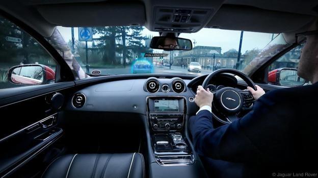 Kính chắn gió của ô tô đồng thời là màn hình duyệt web ảnh 4