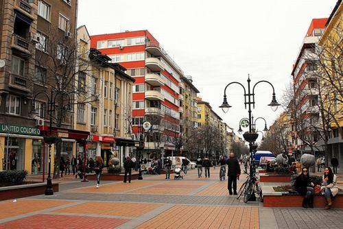 10 thành phố du lịch rẻ nhất Châu Âu ảnh 4