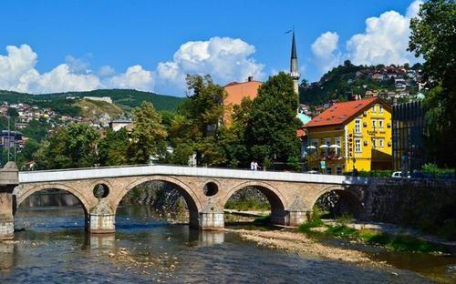 10 thành phố du lịch rẻ nhất Châu Âu ảnh 6