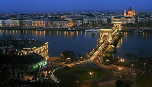 10 thành phố du lịch rẻ nhất Châu Âu ảnh 7
