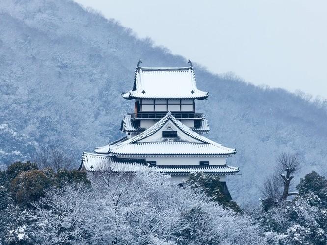 Ngắm những lâu đài bạc đầu trong tuyết ảnh 4