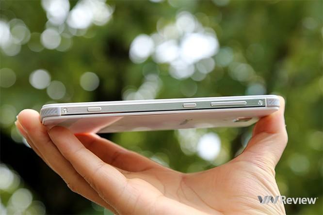 Trên tay điện thoại Pantech V950 sắp bán tại Việt Nam ảnh 3