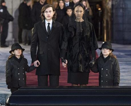 Điếu văn tưởng nhớ cha của con trai Celine Dion làm người hâm mộ xúc động mạnh ảnh 5