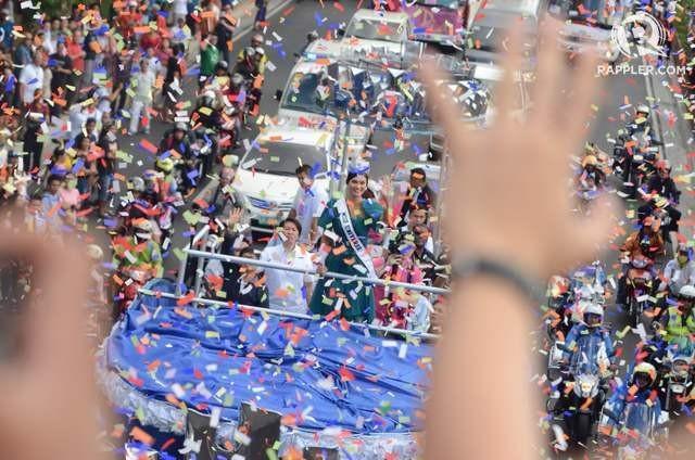 Hàng ngàn người xem lễ diễu hành của Hoa hậu Hoàn vũ 2015 ảnh 3