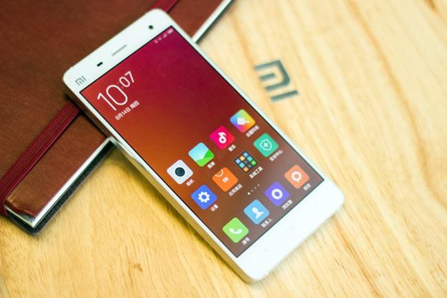 Video: Top 4 smartphone hấp dẫn chỉ có hàng xách tay ảnh 2