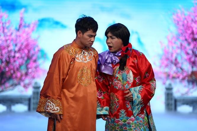 Vẫn là những gương mặt quen thuộc với khán giả như Chí Trung, Quang Thắng, Tự Long và Vân Dung, nhưng tên các Táo được thay đổi nhiều để phù hợp với tình hình chung trong năm qua.