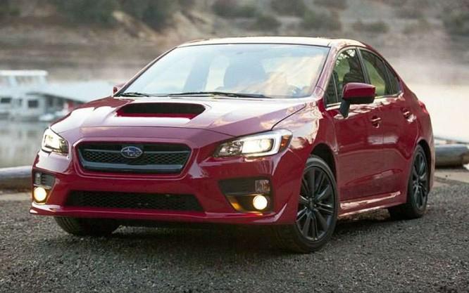 2016 Subaru WRX có thiết kế sang trọng, hiện đại, có công suất 268 mã lực và hộp số điều khiển bằng tay với 6 chế độ vận tốc. Giá bán của mẫu xe này là 26.595 USD.