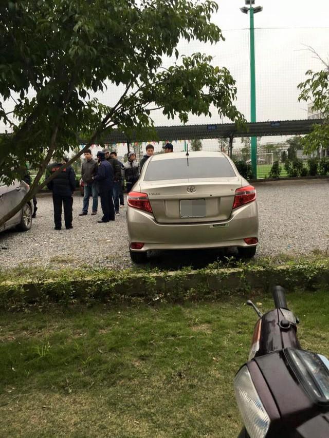 """Hà Nội: Hàng loạt ô tô bị ăn trộm logo và """"vặt gương"""" trong bãi gửi xe ảnh 3"""