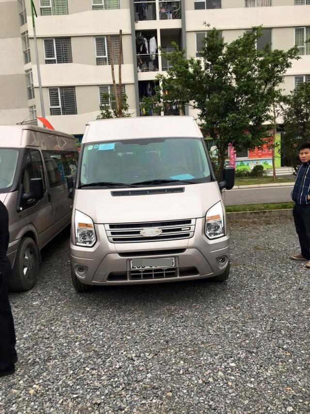 """Hà Nội: Hàng loạt ô tô bị ăn trộm logo và """"vặt gương"""" trong bãi gửi xe ảnh 2"""