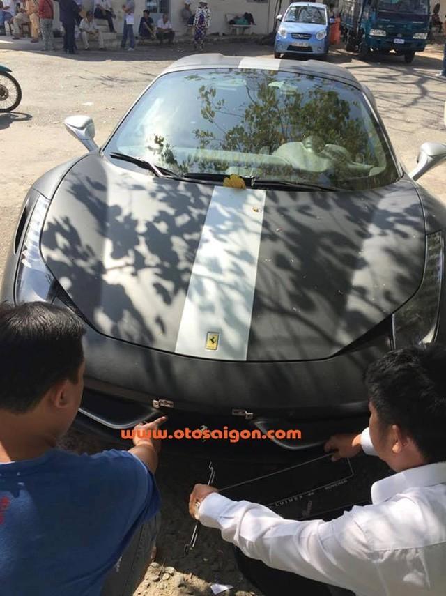 """Đại gia Trung Nguyên gây choáng với """"của độc"""" Ferrari 458 Spider ảnh 1"""