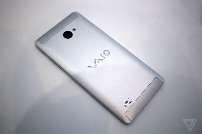 Chiêm ngưỡng smartphone mới tuyệt đẹp của Vaio ảnh 2
