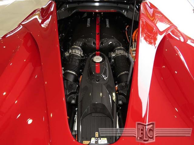 Cận cảnh siêu xe Ferrari LaFerrari cũ giá 104,8 tỷ đồng ảnh 7