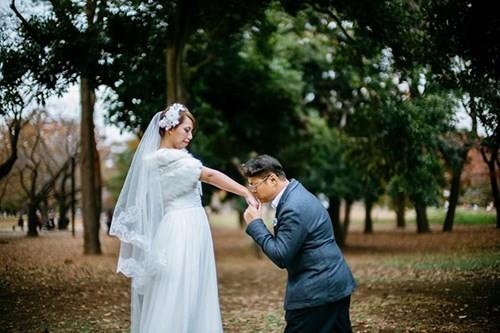 Bộ ảnh cưới thảm họa làm cô dâu chú rể phát khóc ảnh 7