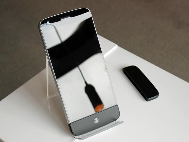 Cận cảnh LG G5: Chuẩn mới của smartphone cao cấp ảnh 12