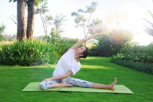 Mỹ nhân Việt tập yoga khoe đường cong tuyệt mỹ ảnh 5