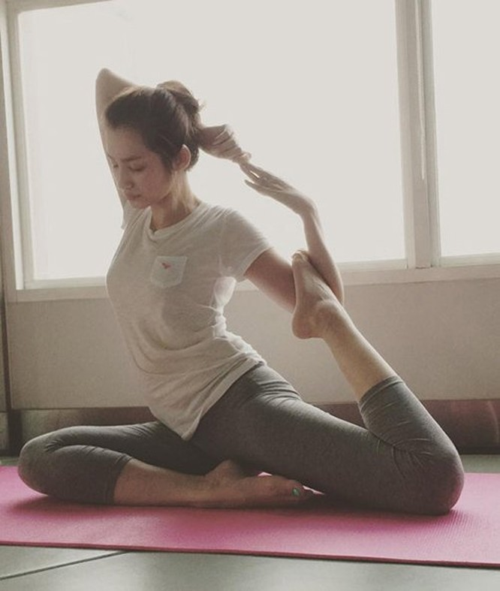 Mỹ nhân Việt tập yoga khoe đường cong tuyệt mỹ ảnh 19