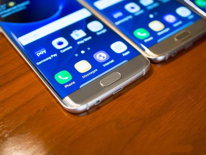 Cận cảnh từng chi tiết của Samsung Galaxy S7 Edge ảnh 16