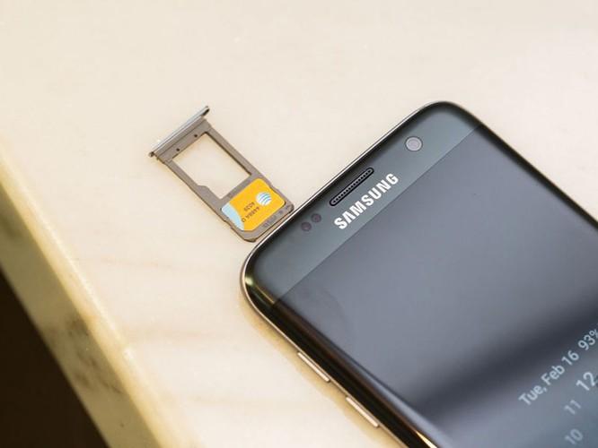 Cận cảnh từng chi tiết của Samsung Galaxy S7 Edge ảnh 18