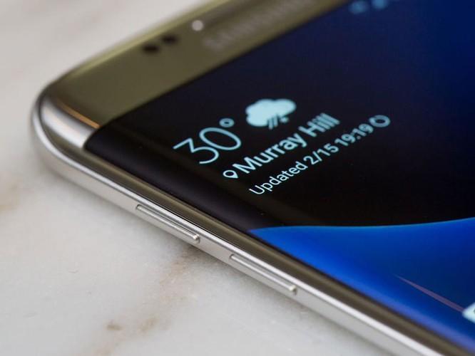 Cận cảnh từng chi tiết của Samsung Galaxy S7 Edge ảnh 22