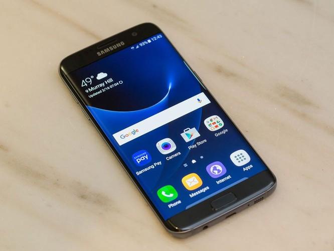Cận cảnh từng chi tiết của Samsung Galaxy S7 Edge ảnh 8