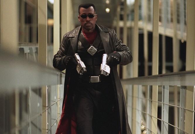 Những phim siêu anh hùng bị gắn nhãn 17+ ảnh 3