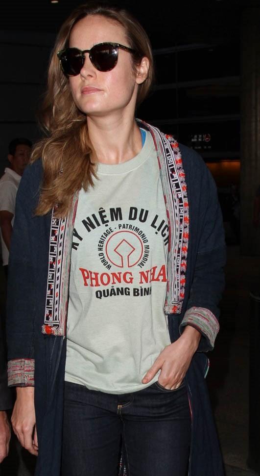 Ứng cử viên sáng giá của Oscar diện áo Phong Nha - Quảng Bình ảnh 1