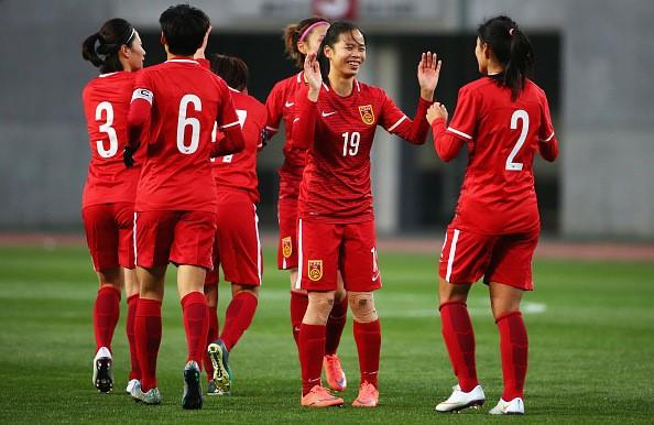 Hình ảnh thi đấu kiên cường của ĐT nữ Việt Nam trước Trung Quốc ảnh 11
