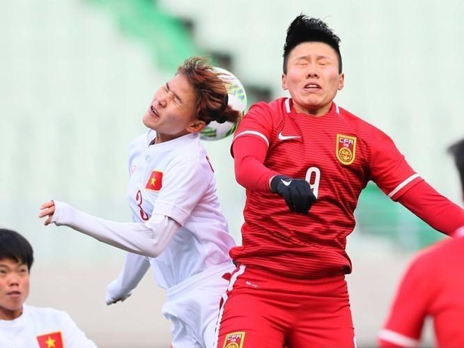 Hình ảnh thi đấu kiên cường của ĐT nữ Việt Nam trước Trung Quốc ảnh 5