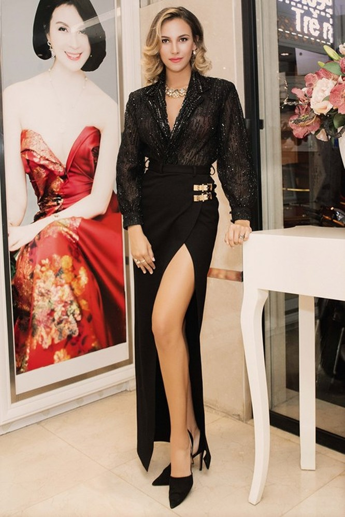 Mãn nhãn ngắm Hoa hậu Liên lục địa 2012 đến Việt Nam ảnh 5