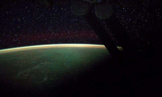 TP. Hồ Chí Minh lung linh nhìn từ vũ trụ ảnh 3