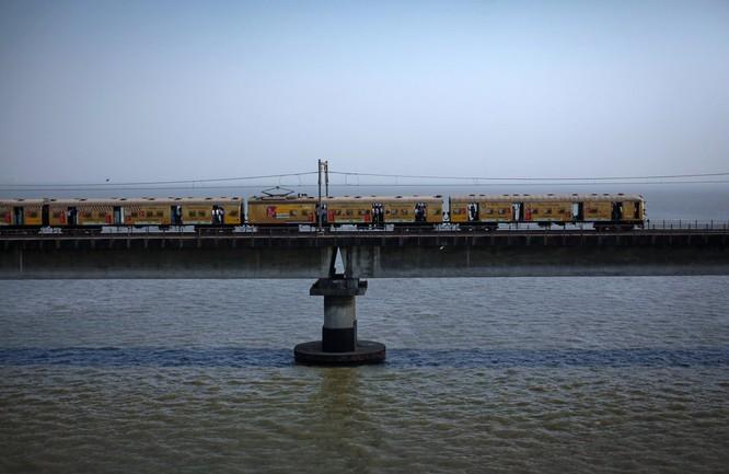 Hãi hùng phong cách tàu hoả của Ấn Độ ảnh 4