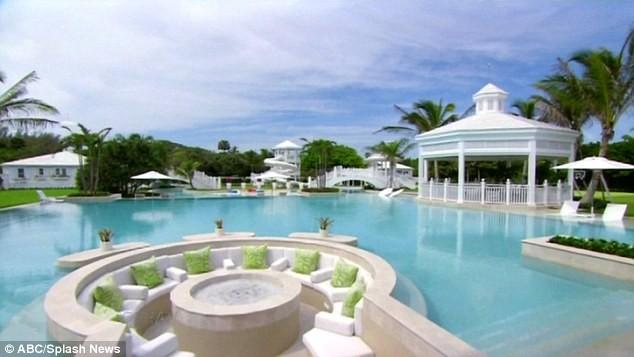 Khu resort triệu đô của Celine Dion rớt giá thảm hại ảnh 1