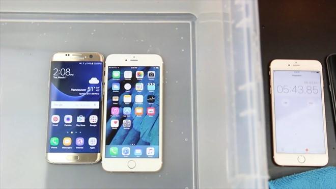 Video: Galaxy S7 edge so độ bền với iPhone 6S Plus ảnh 5