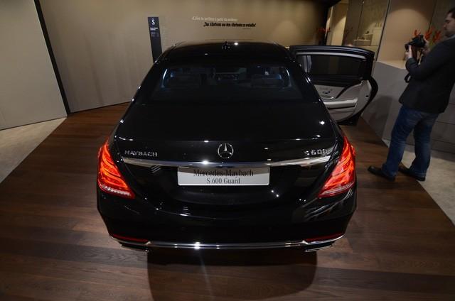 """Cận cảnh """"pháo đài thép"""" Mercedes-Maybach 11,6 tỷ đồng ảnh 4"""