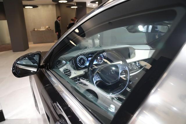 """Cận cảnh """"pháo đài thép"""" Mercedes-Maybach 11,6 tỷ đồng ảnh 9"""