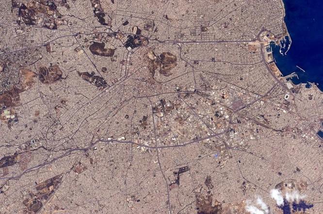 Trái Đất tuyệt đẹp nhìn từ Trạm Vũ trụ quốc tế ảnh 17
