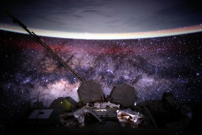 Trái Đất tuyệt đẹp nhìn từ Trạm Vũ trụ quốc tế ảnh 1