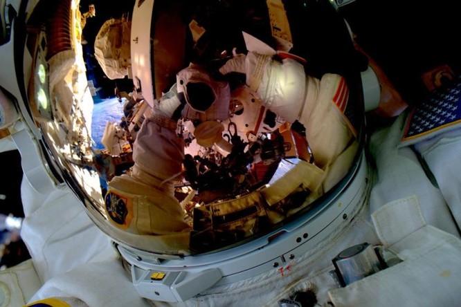 Trái Đất tuyệt đẹp nhìn từ Trạm Vũ trụ quốc tế ảnh 20