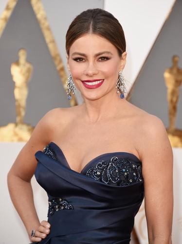 Choáng với những món trang sức quý giá của sao Hollywood tại Oscar ảnh 16