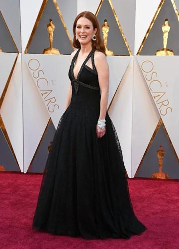 Choáng với những món trang sức quý giá của sao Hollywood tại Oscar ảnh 8