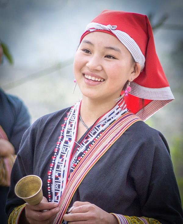 Vẻ đẹp đời thường của thiếu nữ dân tộc vùng cao ảnh 8
