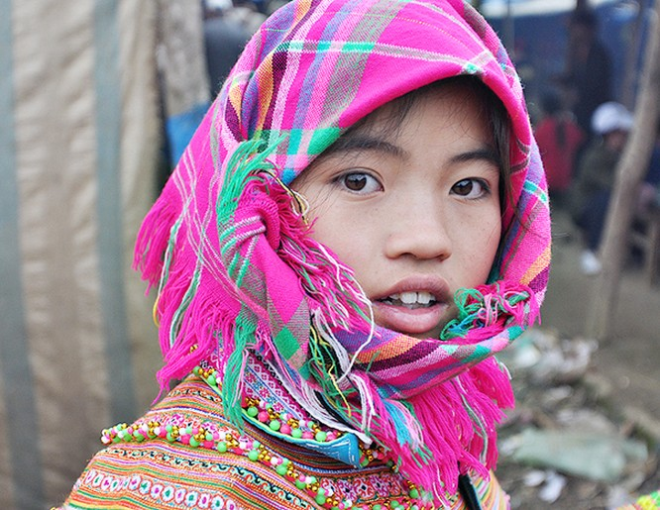 Vẻ đẹp đời thường của thiếu nữ dân tộc vùng cao ảnh 6