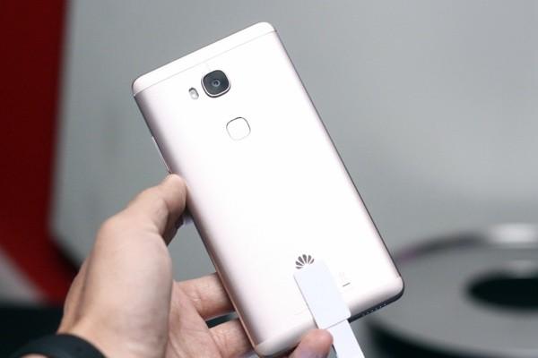 Ra mắt tại Việt Nam, Huawei GR5 giá 5,99 triệu đồng ảnh 1
