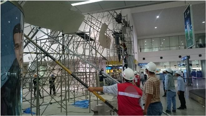Vì sao dàn giáo tại sân bay Tân Sơn Nhất đổ sập? ảnh 1