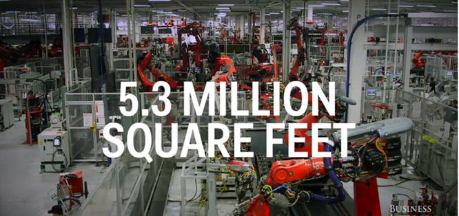 Cận cảnh nhà máy sản xuất xe hơi với 150 robot của Tesla ảnh 6