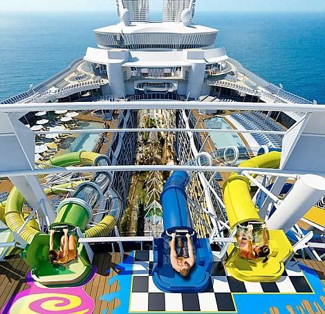 Choáng với siêu du thuyền lớn nhất thế giới chở gần 8.500 người ảnh 3
