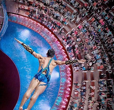 Choáng với siêu du thuyền lớn nhất thế giới chở gần 8.500 người ảnh 4
