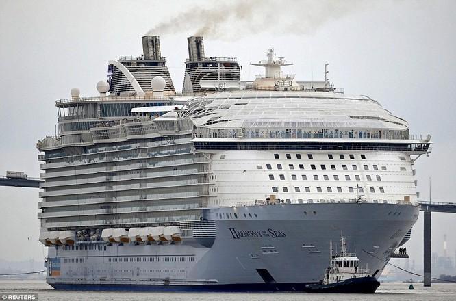 Choáng với siêu du thuyền lớn nhất thế giới chở gần 8.500 người ảnh 6