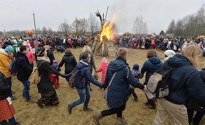 Người Nga nô nức với Lễ Giã biệt mùa Đông ảnh 8